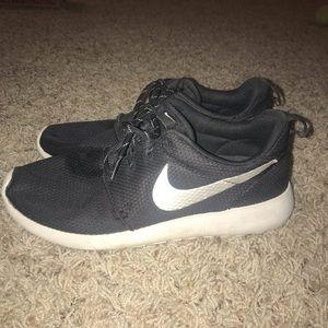 Black Nike Roshe Ones
